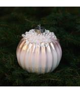 Sklenená závesná vianočná guľa plysovaná s perlami ružová 10cm