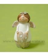 Anjelik bacuľatý držiaci srdiečko sivo-biely 7cm