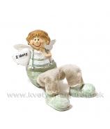 Bacuľatý anjelik Z lásky Chlapček visiace nohe zelený 13cm