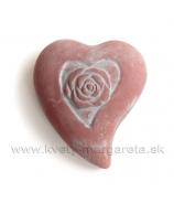Srdiečko s ružou betón červené