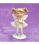 Dievčatko Anjelik srdiečko v rukách krémový 9cm