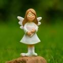 Anjelik s ružovým srdcom snívajúci 9.5cm