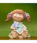 Copaté dievčatko sediace s kvetmi zelené 6.5cm