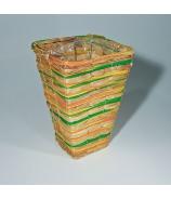 Váza štvorcová z farbeného prútia