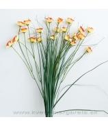 Narcisová kytica s trávou žltooranžová