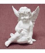 Anjel usmiaty sediaci na boku s kvietkom krémová Antik patina 22 cm