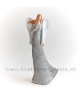 Anjel drevorezba s rukou na srdci biely 29 cm