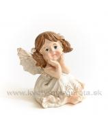 Sediace dievčatko anjelik s copami 5.5 cm
