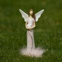 Anjel v šatách s labutienkou a glitrovou vlnou srdce v náručí rúžový 17 cm